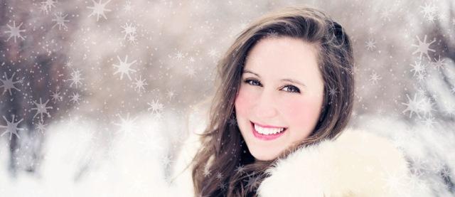 woman snow winter portrait 40503